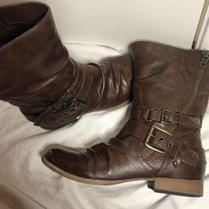 Carlos Santana brown boots Ashton 2
